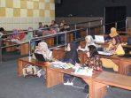 Pengrajin Batik dari Berbagai Kota Belajar Desain ke Rembang