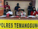 Beli Kelapa Online, Suharti Tertipu Puluhan Juta