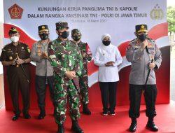 Panglima TNI dan Kapolri Tinjau Pelaksanaan Vaksin 2.101 Personel di Polda Jatim