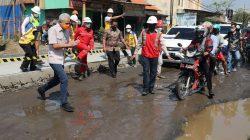 : Gubernur Jawa Tengah Ganjar Pranowo mengecek pembangunan jalan layang Ganefo, Mranggen