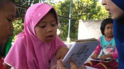 anggota komunitas Insan Cinta Baca (ICB) di Dukuh Beber, Desa Kejene
