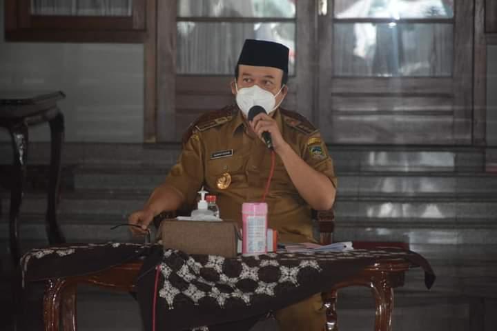Achmad Husein, Bupati Banyumas
