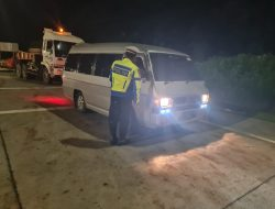 Kasatlantas Polrestabes : Sembilan Kendaraan Travel Di Putar Balikkan Di Gerbang Tol Kalikangkung
