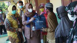 Bersama Pemkab Sragen, Bank Jateng Peduli Bumi Sukowati Bagikan 1000 Paket Sembako