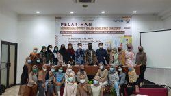 Cendekia FPMIPATI UPGRIS Kenalkan NVIVO 11 di Surabaya