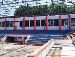 Renovasi GOR Pesantenan Tinggal Pemasangan Atap