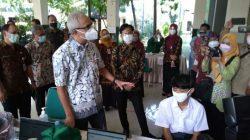 Ganjar Pranowo Mengapresiasi Antusiasme Siswa Ikuti Vaksinasi