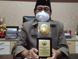 Ketua DPRD Terima Penghargaan Wawasan Lingkungan