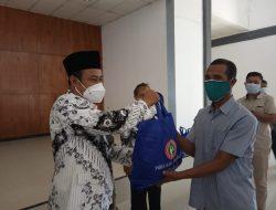 PGRI Beri Bantuan Ribuan Sembako