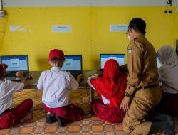Gaet Lebih Banyak Pemuda Menjadi Guru